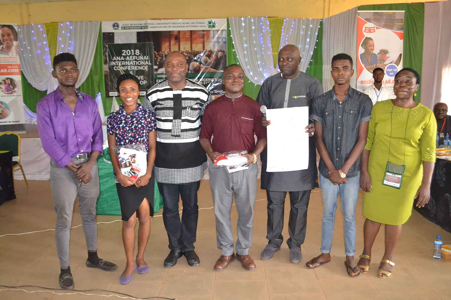 Group Photograph of winners with the Vice Chancellor