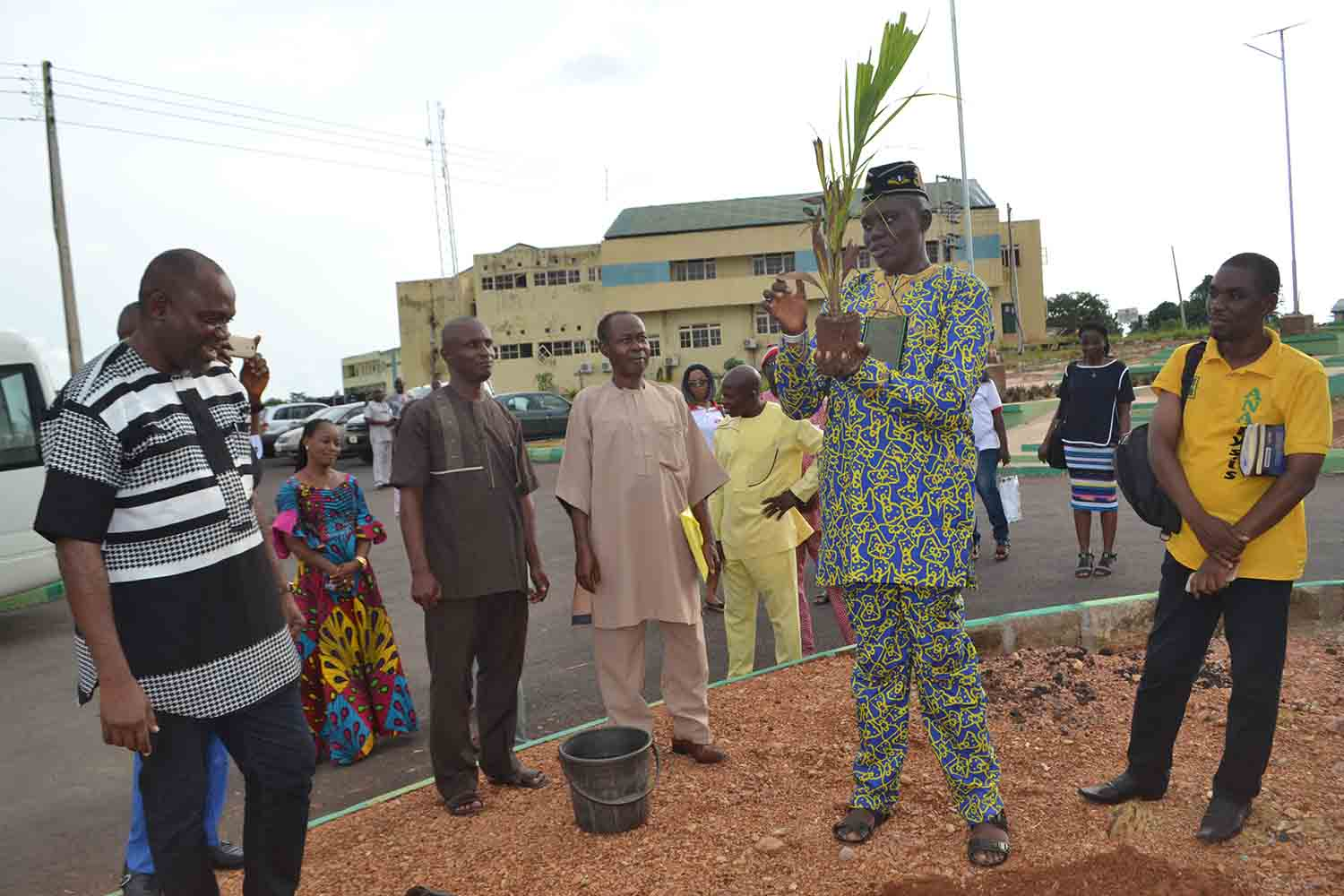 "The ANA Secretary, Dr Ofonime Inyang plants a tree, as part of VC Chinedum Nwajiuba's ""Green Campus Initiative'"